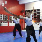 Kung Fu infantil - Forma com facões
